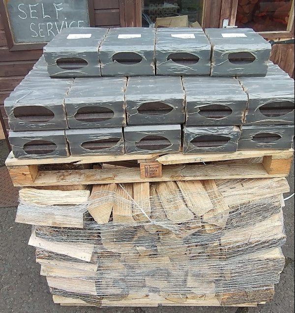 1 Cubic Metre Stacked Kiln Dried Logs & Pini Briquettes Oak